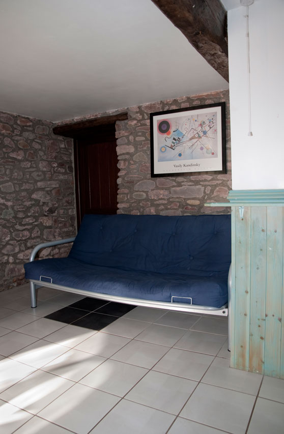 Ynysmarchog Bunkhouse - Bed Settee