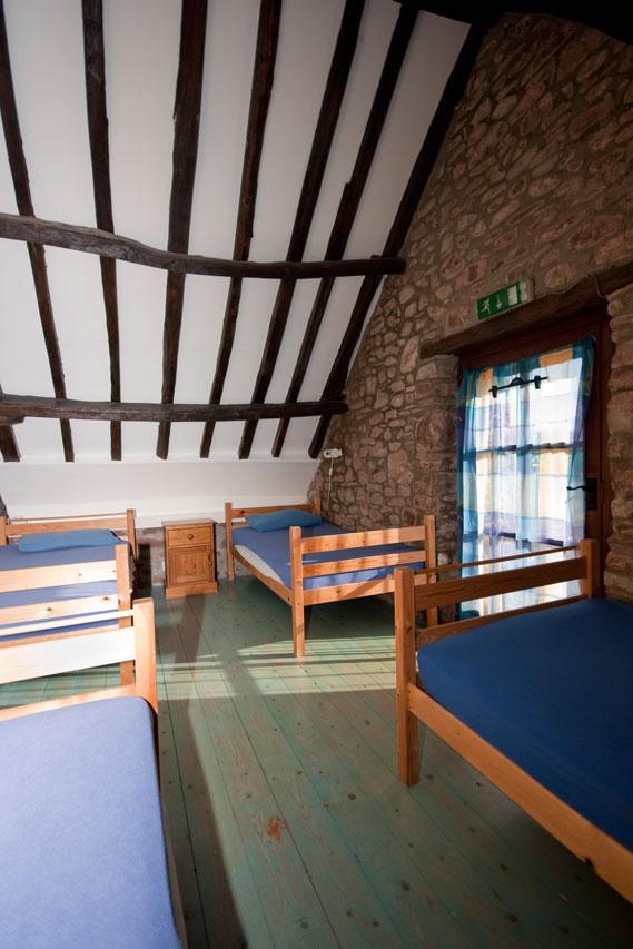 Ynysmarchog Bunkhouse - 4 Bed Room