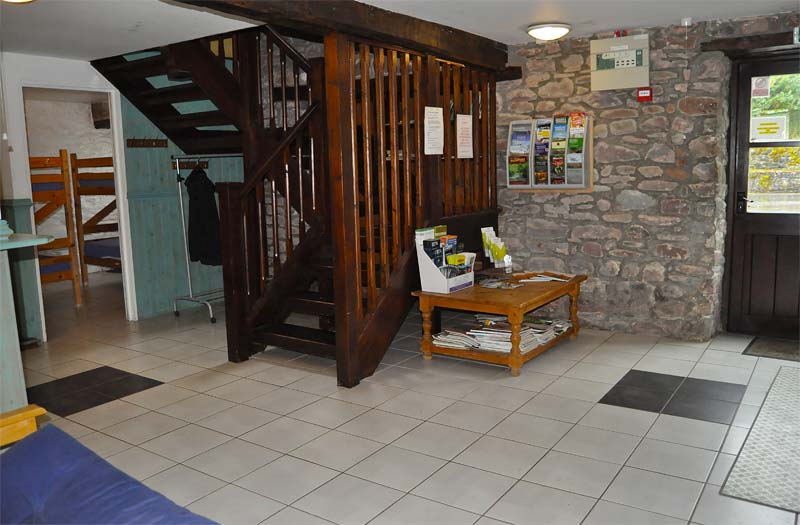 Ynysmarchog Bunkhouse - Entrance Hall